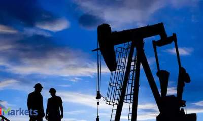 Crude oil prices rise on weaker dollar, high US stocks weigh