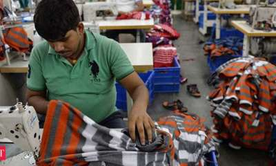 Yarn shortage in domestic market pushes up prices of hosiery, knitwear items