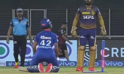 IPL 2021: Shikhar Dhawan Drops To His Knees On Dinesh Karthiks Cue In Hilarious Banter. Watch
