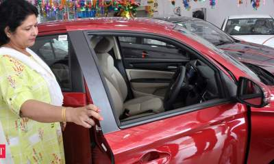 Auto sales dip month-on-month in April due to rise in Covid-19 cases: SIAM