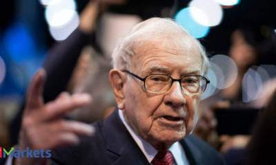 Warren Buffett's meeting of many mea culpas: From Apple to healthcare