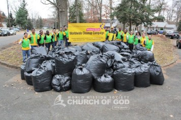 World Mission Society Church of God, wmscog, Mother's Street, cleanup, movement, mother, campaign, trash, garbage, leaves, volunteers, volunteerism, unity, global, world, new jersey, ridgewood, belleville, bogota, passaic, elizabeth, jersey city, paterson, perth amboy, christian