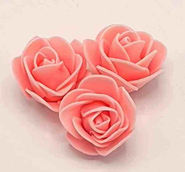 fleur embellissement mousse rose rose