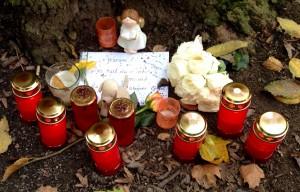 Kerzen am Fundort