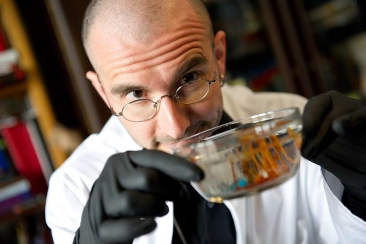 Forscht so gerne, wie er darüber redet: Dr. Mark Benecke (Foto: Benecke.com)
