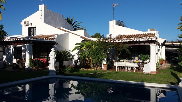 Golden Mile OASIS villa close to beach on corner plot