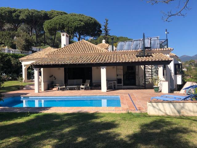 stunning family villa Nueva Andalucia