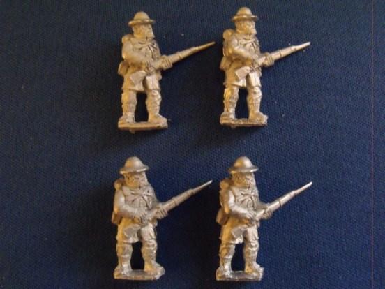 Infantry in Slouch Hat, Frock Coat & Back Pack, Loading