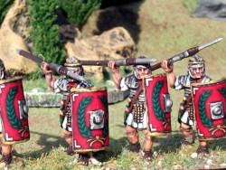 Legionaries in Segmented Armour, Advancing, Pillum