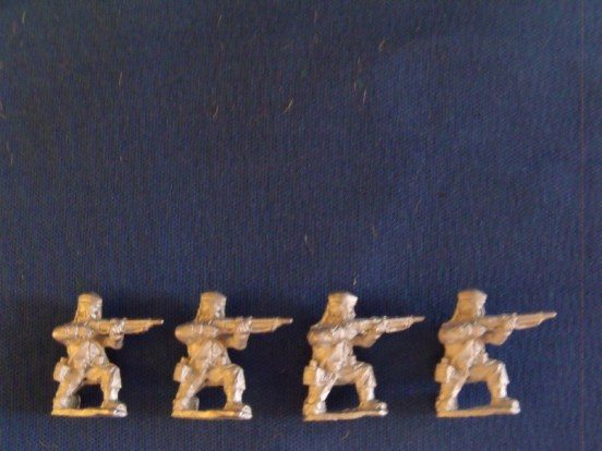 Infantry Kneeling in Glengarry