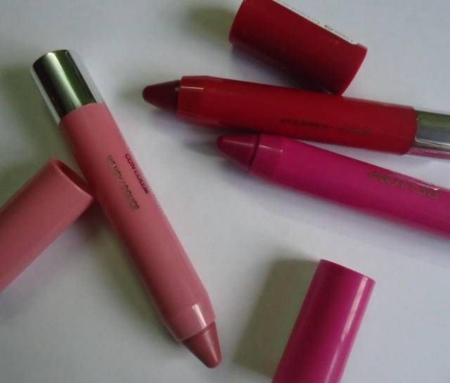 Revlon Just Bitten Kissable Lip Balm Stain Lovesick, Honey, Romantic Review, Swatches