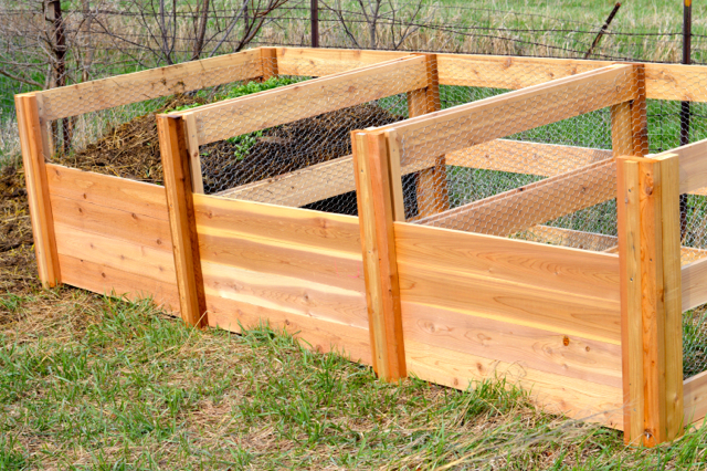 DIY cedar compost bins  NewlyWoodwards