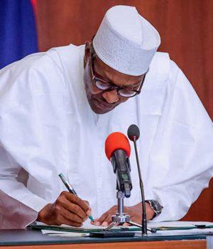 Buhari signs Executive Order 6