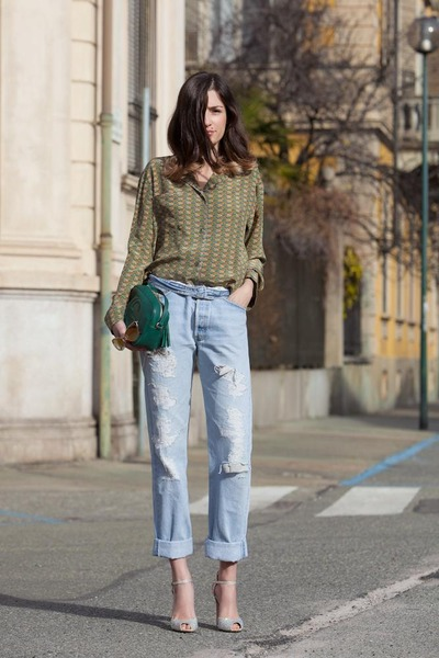 cream-sparkling-gianvito-rossi-shoes-periwinkle-501-levis-jeans_400