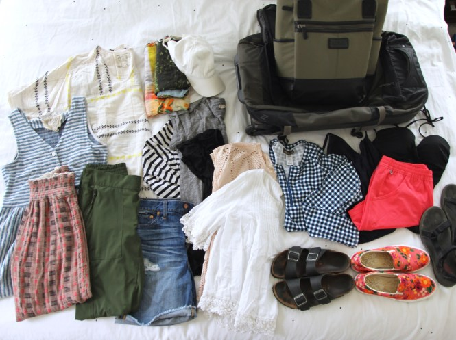 Kauai Packing ​list, beach vacation packing, eddie bauer suitcase, lole lily bag