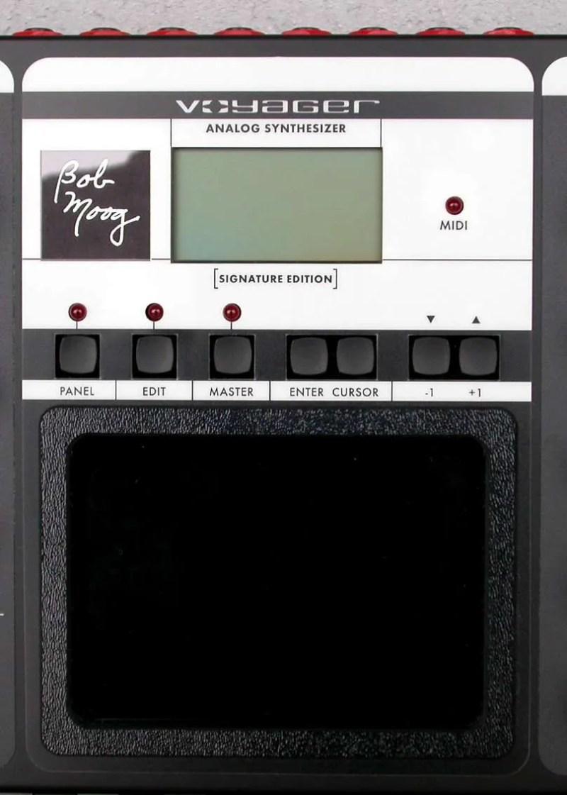 Moog Voyager - Il touchpad e la sezione di controllo