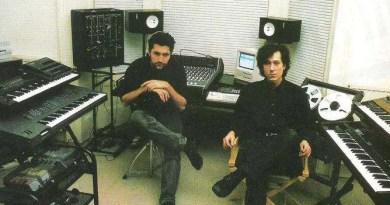 Steve Jansen e Richard Barbieri nel loro studio personale senza trattamento acustico (circa 1990)