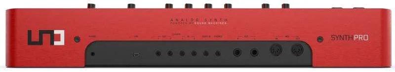 UNO Synth Pro - Pannello Posteriore