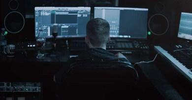 Studio Monitor triangolo equilatero