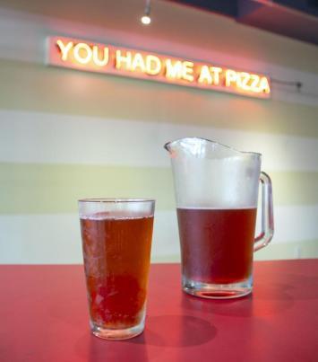 pitcher night reginellis pizza