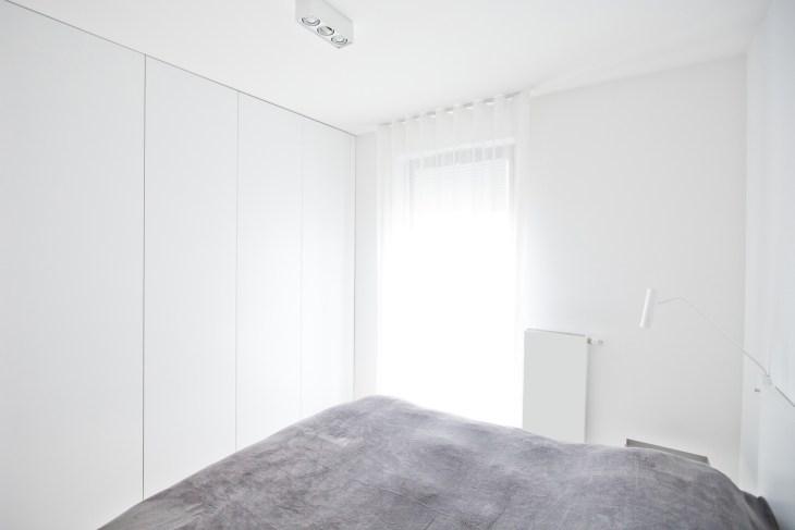 biała sypialnia, minimalistyczna sypialnia