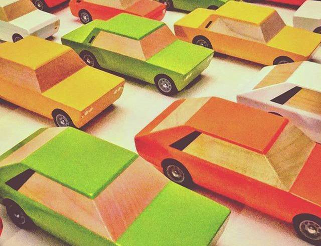 bumbaki drewniane auta