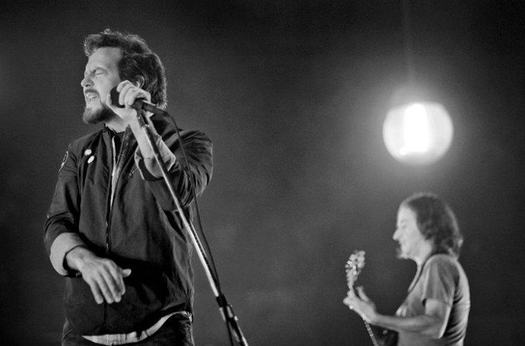 Eddie Vedder Brian Lima
