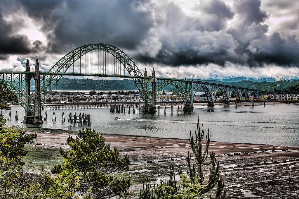 Yaquina Bay Bridge in HDR
