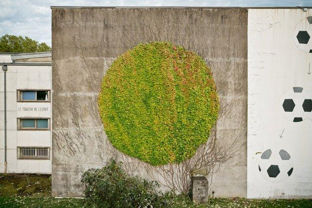 02miller-graffiti-slide-43DR-jumbo