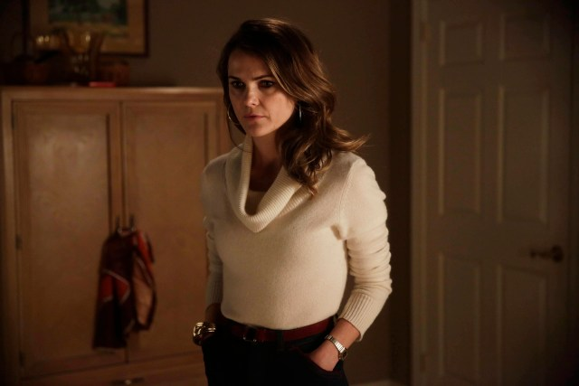 "THE AMERICANS -- ""Divestment"" Episode 308 (Airs Wednesday, March 18, 10:00 PM e/p) Pictured: Keri Russell as Elizabeth Jennings. CR: Patrick Harbron/FX"