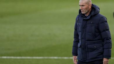 Photo of زيدان يُحمل نفسه مسؤولية تغيير مسار ريال مدريد في الموسم الحالي