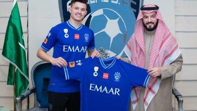 Photo of رسميًا .. الهلال يتعاقد مع عبد الله الحمدان لاعب الشباب