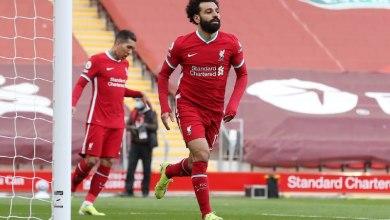 Photo of محمد صلاح يقود التشكيل الأفضل للعام في الدوري الإنجليزي