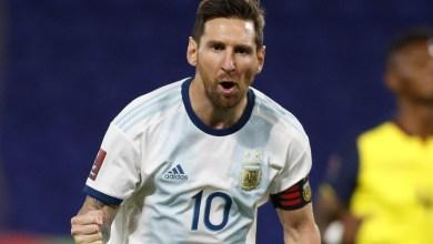 Photo of فيديو – لاعبو الأرجنتين يفاجئون ميسي بالغناء والهدايا في عيد ميلاده الـ34