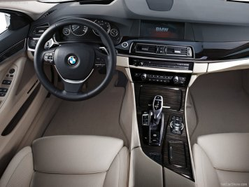 BMW-5-Series_2011_07