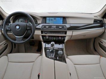 BMW-5-Series_2011_08