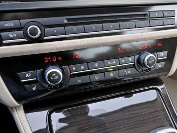 BMW-5-Series_2011_13
