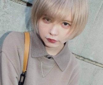 【画像あり】益若つばさ、金髪姿で入学式参加への批判に「これが私のノーマルヘアー」育児にも「苦労してなんぼというイメージ」と指摘
