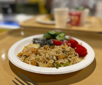 【画像あり】選手村の日本食がこちら。こりゃ毎日食えるはwww