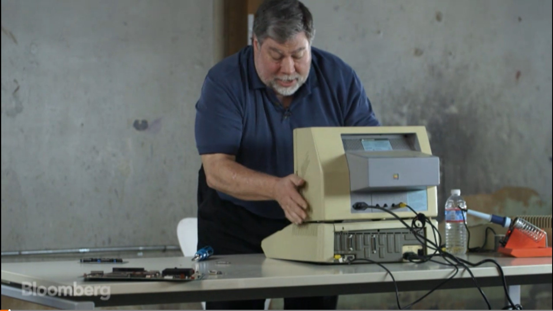 How Did Jobs and Woz Sell a Million Apple IIs? With a Spreadsheet ...