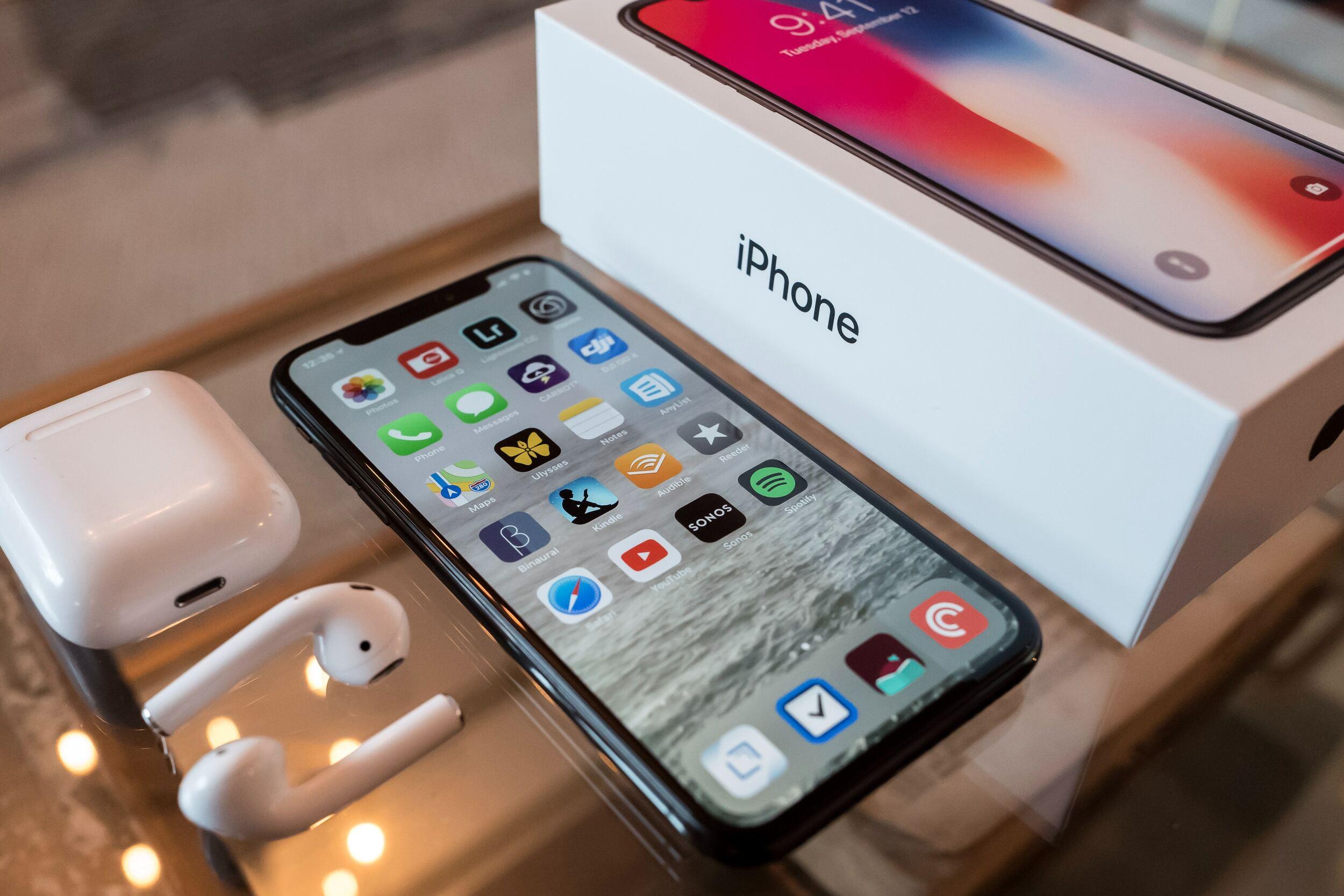 Apple признала, что iPhone стоит слишком дорого