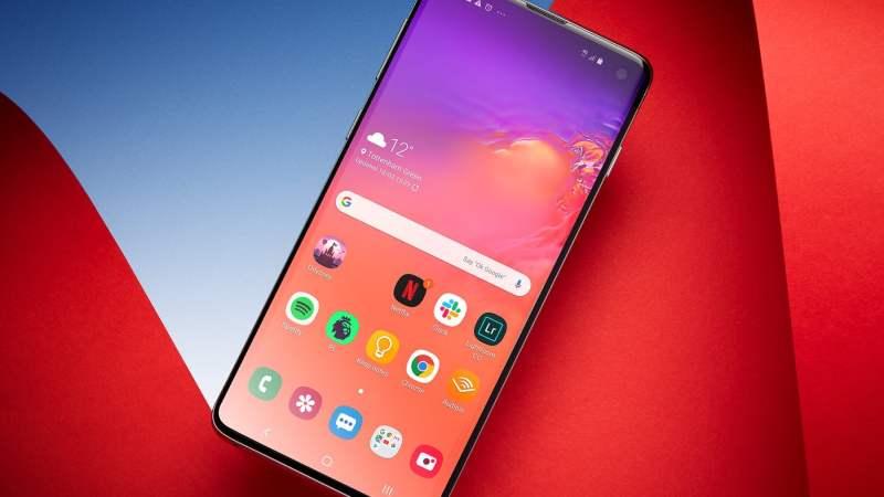 «М.Видео» временно продает Samsung Galaxy S10 и другие смартфоны за 100 рублей