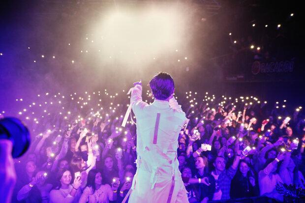 Артем Пивоваров собрал два аншлага подряд в Киеве: фото с концерта