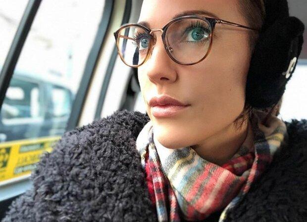 Мерьем Узерли теряет зрение: звезда «Великолепного века» пожаловалась на проблемы со здоровьем