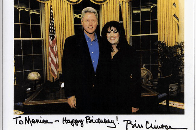 モニカ・ルインスキーとビル・クリントン サイン入り