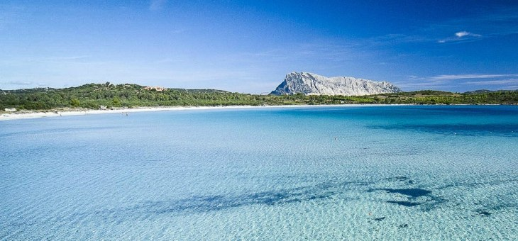 Sardinia holidays are a 2017 top trend according to Trivago: look at these luxury homes