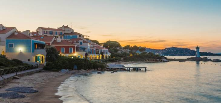 Baia del Faro: things to do, services and apartments for rent near Palau