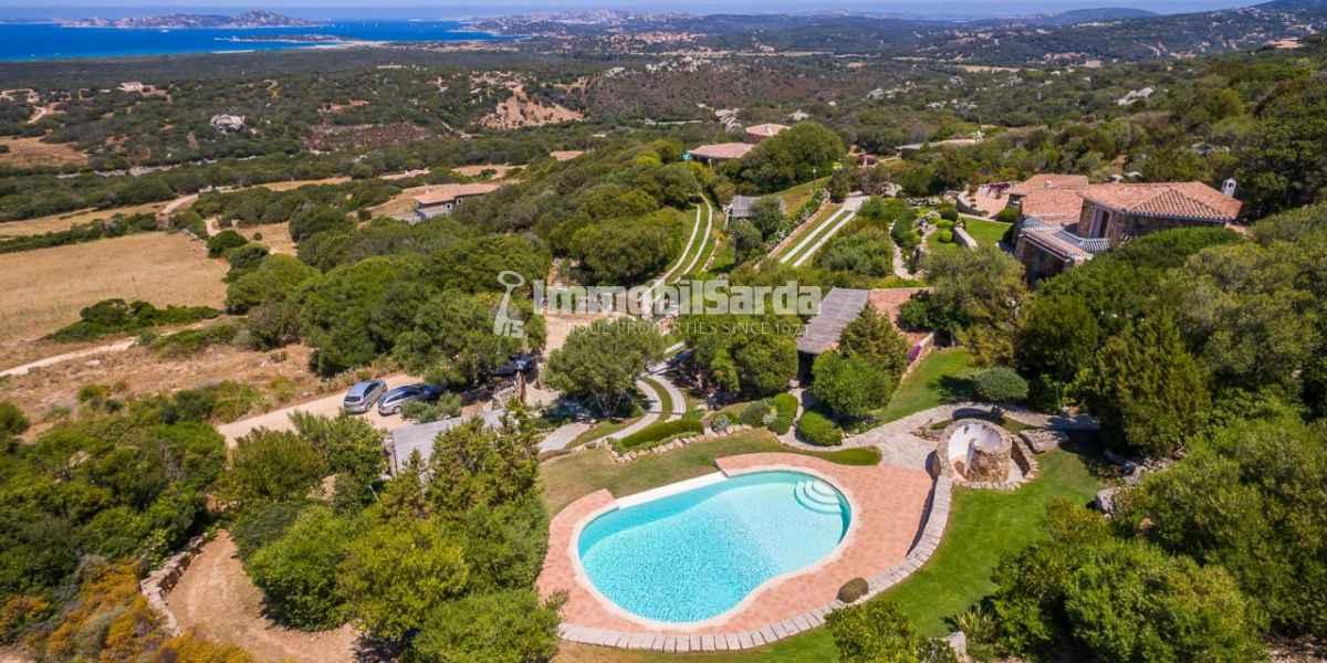 Immobilsarda: villa in vendita a Santa Teresa