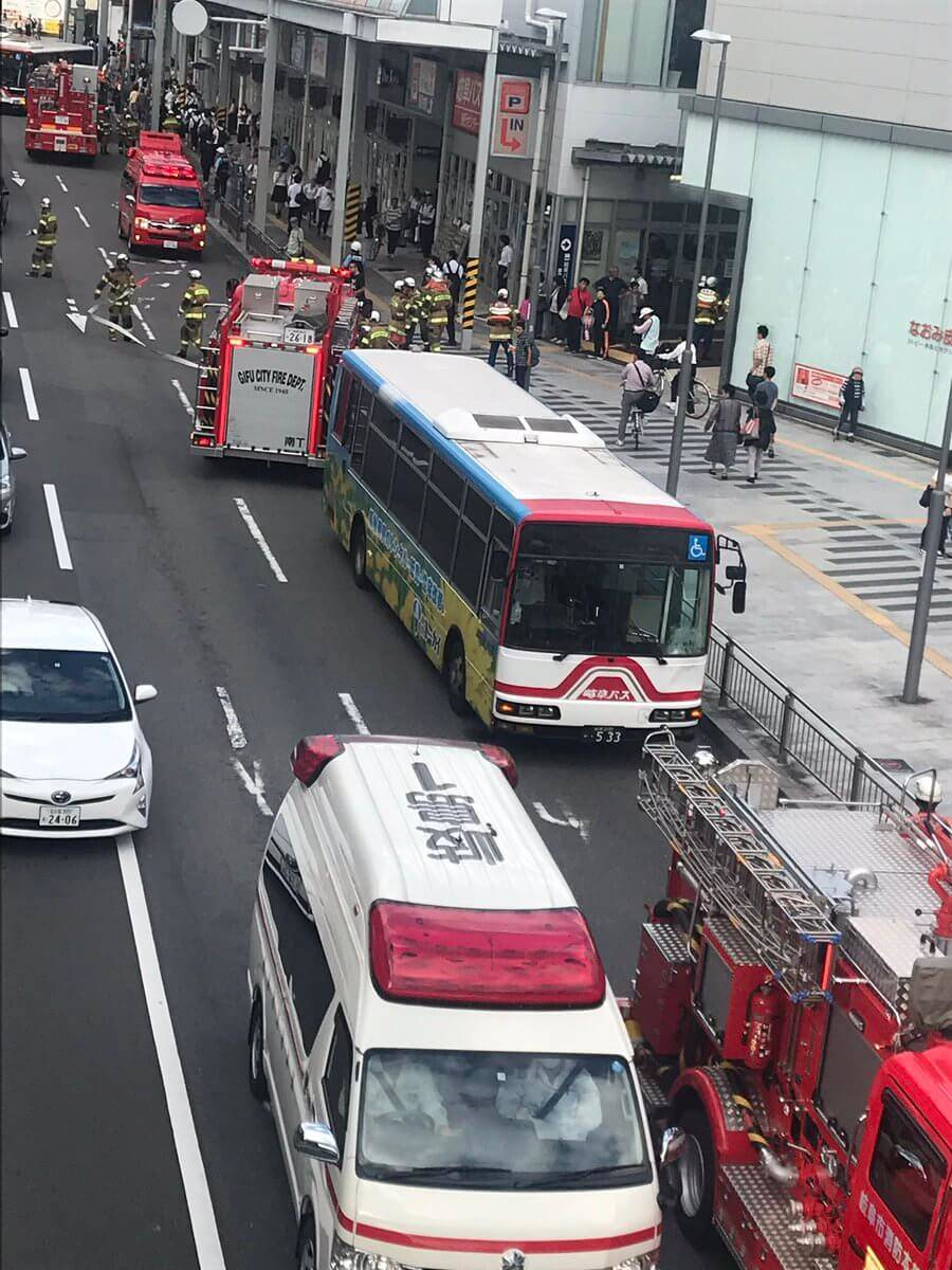 名鉄岐阜駅 バスのガラスが割られる事件