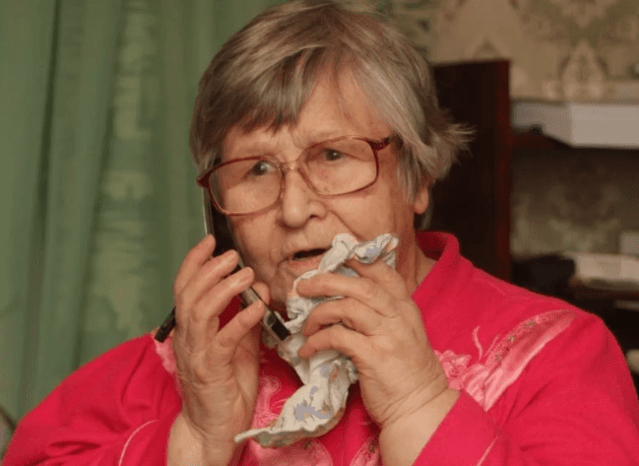 Жительница Светлограда проявила бдительность при общении с телефонным мошенником
